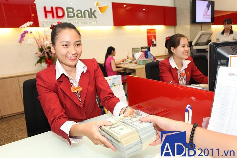 Thứ 7 ngân hàng HD có làm việc không