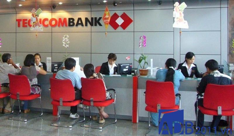 thời gian làm việc techcombank