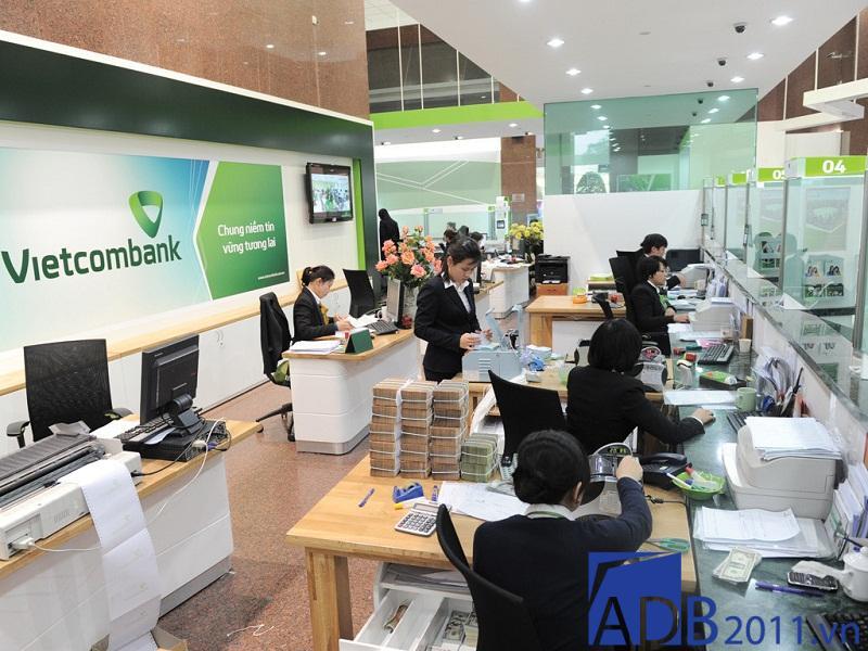 Giờ làm việc Vietcombank: Thứ 7 NH Vietcombank có làm việc không?