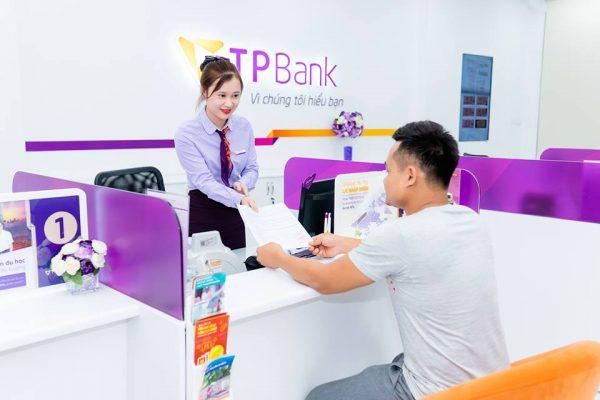 thẻ ngân hàng nào chuyển tiền không mất phí